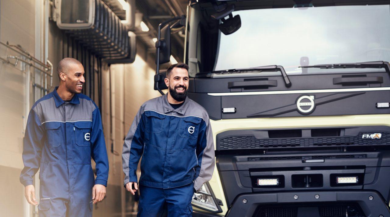 En Volvo-lastebil på service